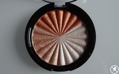 Ofra x NikkieTutorials Everglow Highlighter Close Up (No Flash)