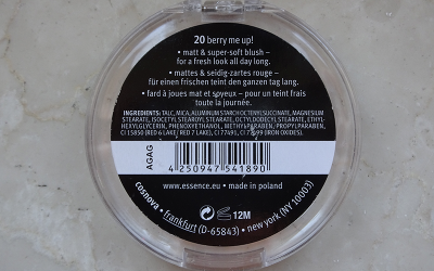 Essence Matt Touch Blush (20 Berry Me Up!) Back