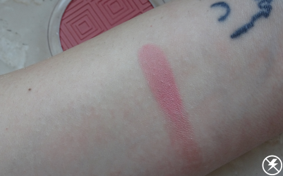 Essence Matt Touch Blush (20 Berry Me Up!) Swatches No Flash