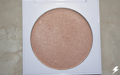 Colourpop Pressed Powder Highlighter (Here Kitty Kitty) Close Up Flash